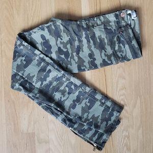 New, Camo pants